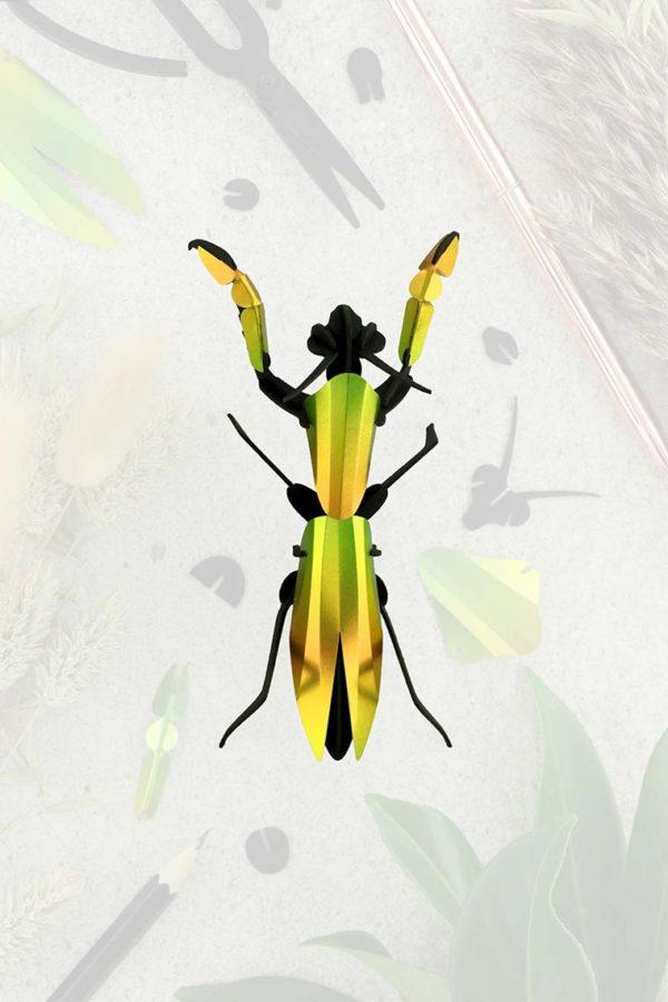 Assembli 3d paper insect praying mantis mango green