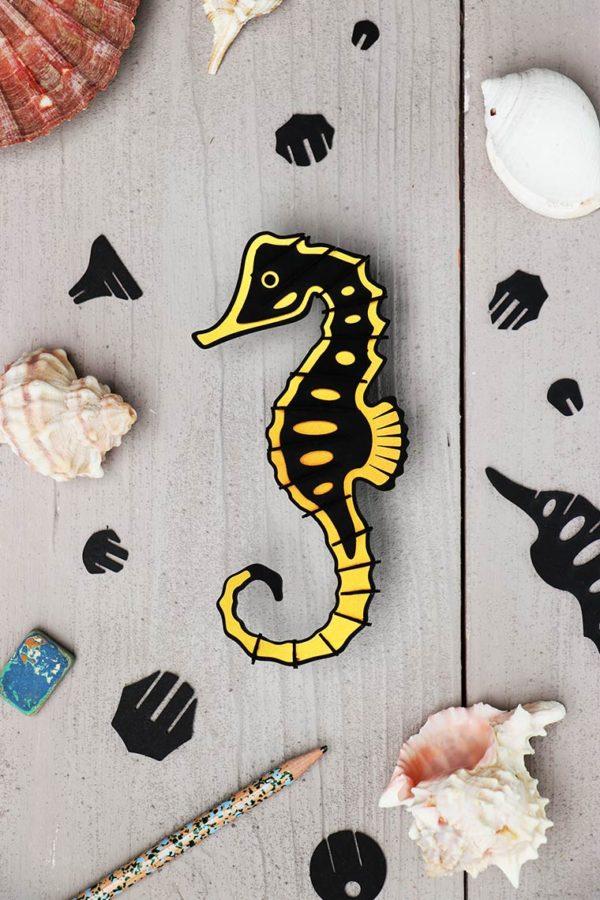 Assembli 3D Paper Seahorse Gold Leaf Metallic
